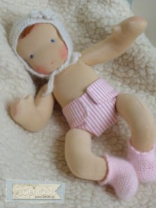 Laka szmaciana niemowlaczek Lalinda